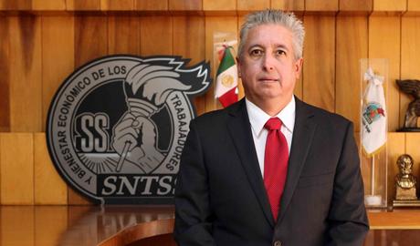 Químico: José Luis Garza Ibarra