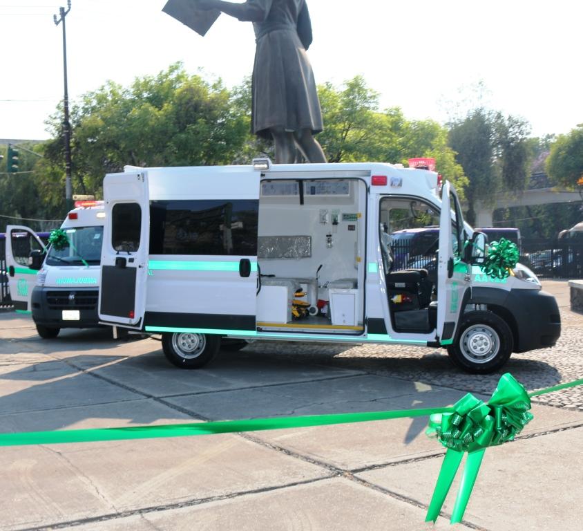 Entregan ambulancias a diferentes unidades médicas