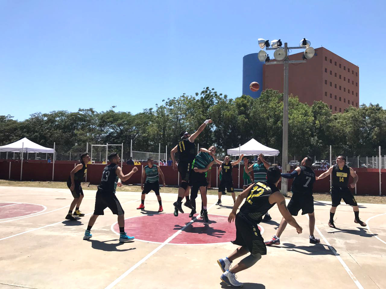Participa Sección XXXI en convivencia deportiva