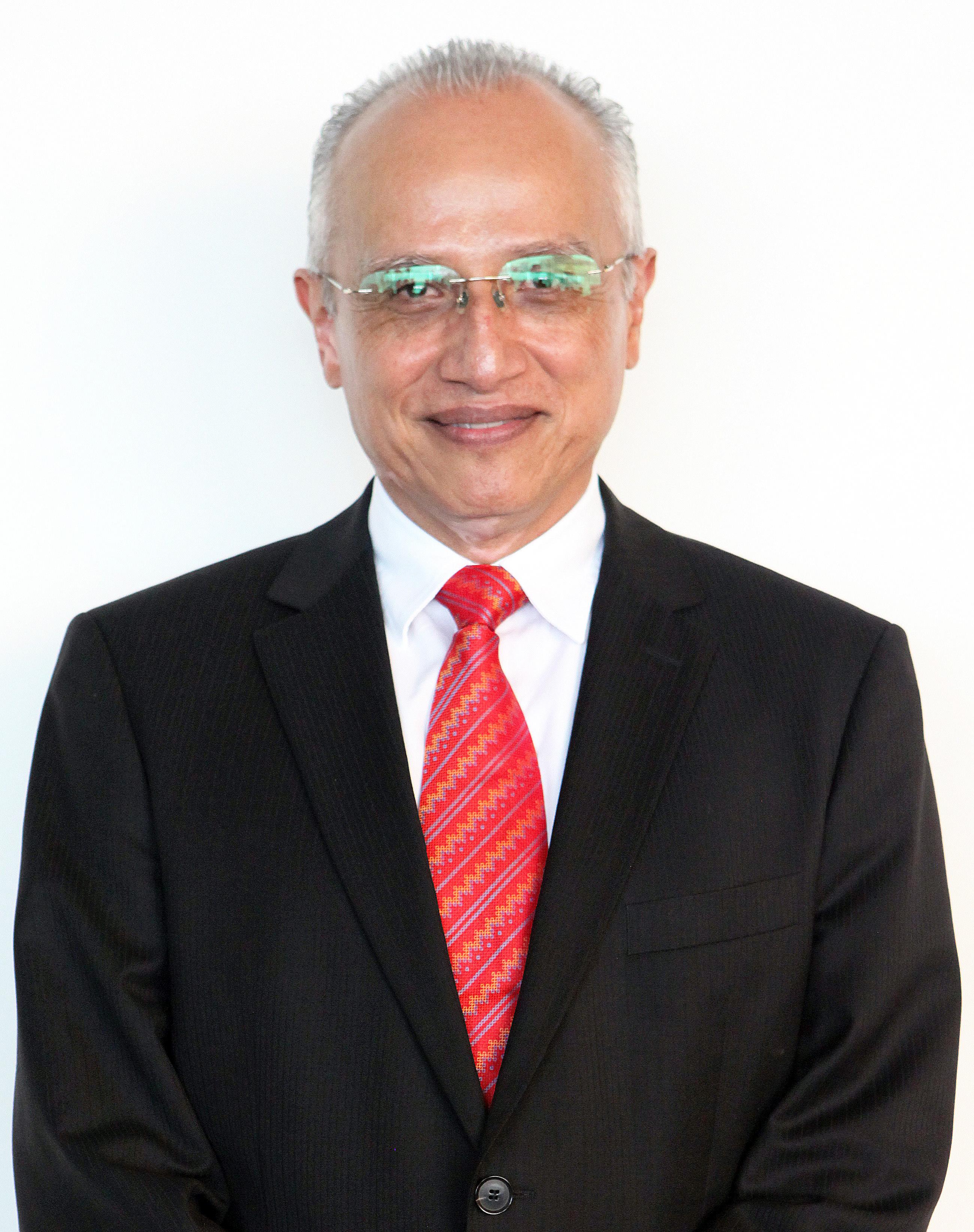 Dr. Rafael Olivos Hernández